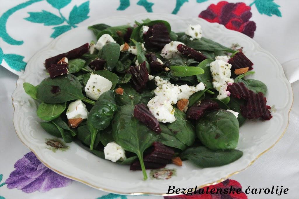 Pet salata za pet radnih dana – bezglutenski ručak na poslu